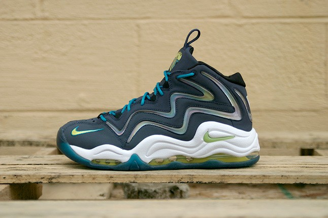 nike-air-pippen-midnight-navy-profile-1