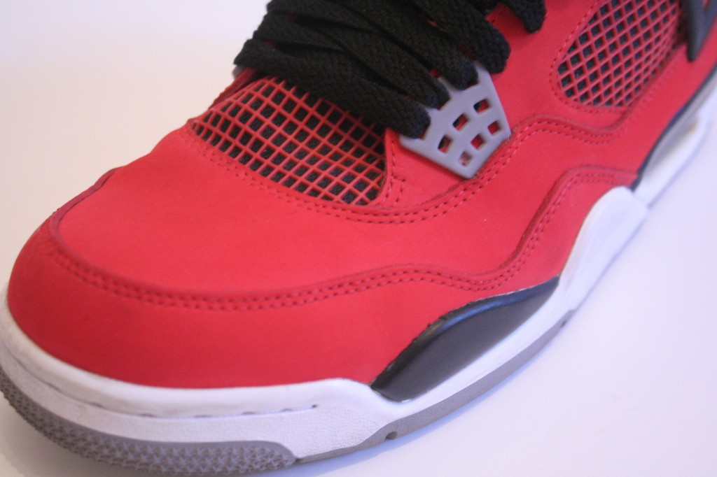 nike-air-jordan-toro-iv-clean-1