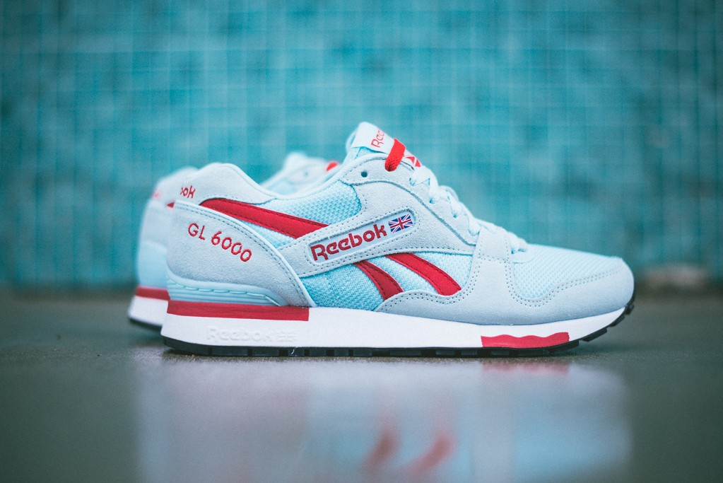 Real vs. Fake Reebok Classic sneakers. How to spot fake Reebok sneakers