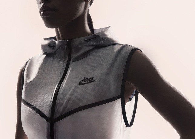 Su14_NSW_Tech_Pack_Hyperfuse_Vest_W_A_02_29270