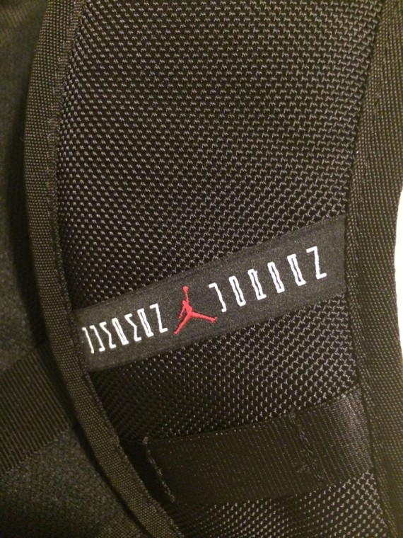 air-jordan-11-bred-bag-07-570x760