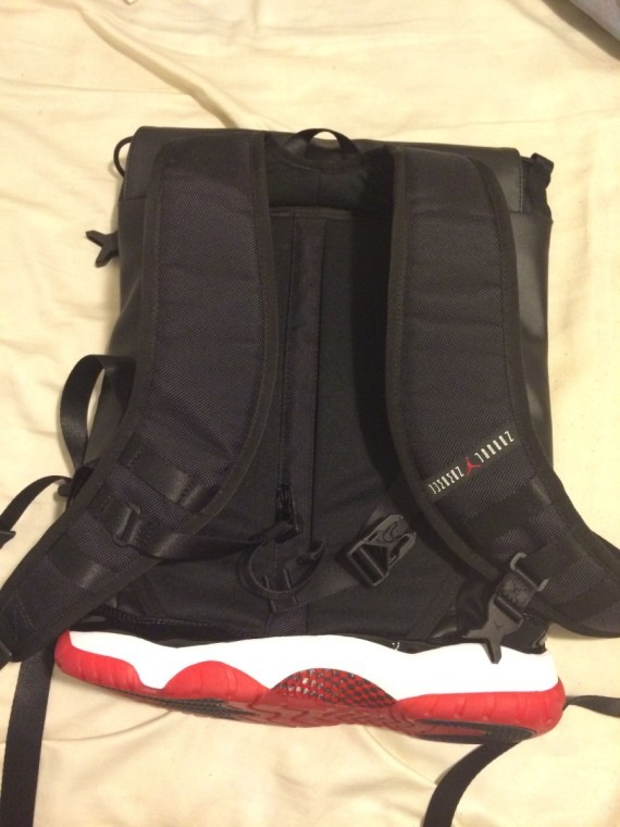 air-jordan-11-bred-bag-09-570x760