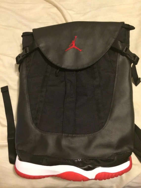 air-jordan-11-bred-bag-11-570x760