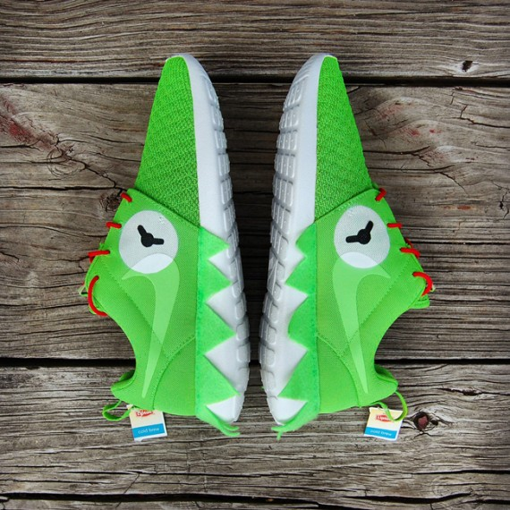 "Nike Roshe Run ""Kermit Meme"" Customs"