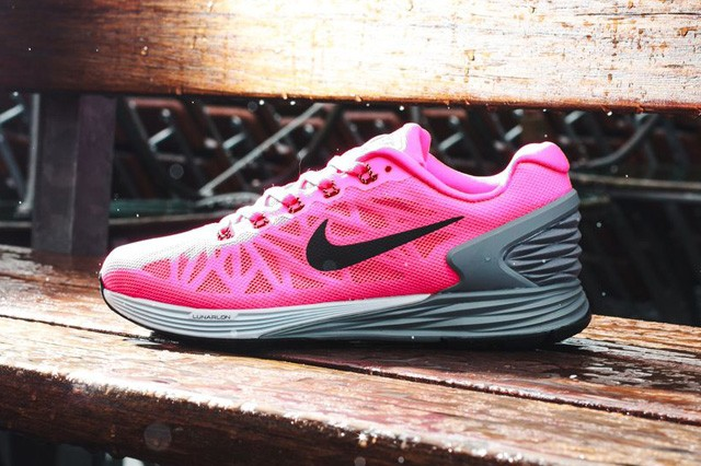 nike-wmns-lunarglide-6-july-releases-3