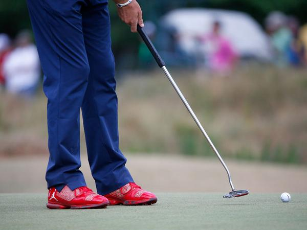 Keegan-Bradley-jordan-xx9-red-golf-cleats-1