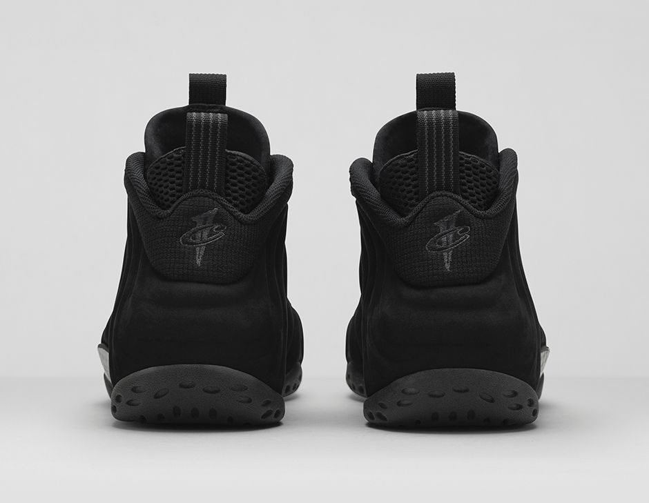 nike-air-foamposite-one-black-suede-official-04