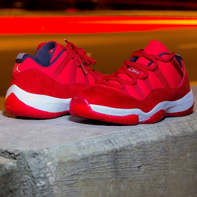 air-jordan-xi-11-red-suede-sample-01