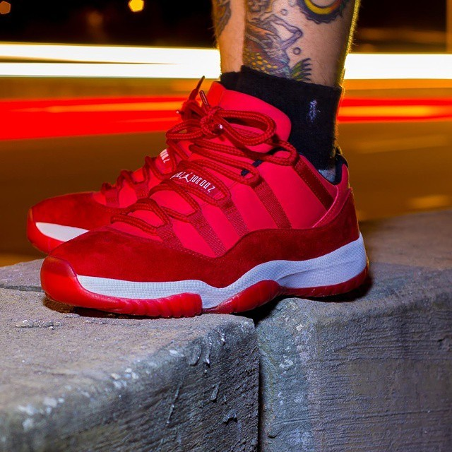 air-jordan-xi-11-red-suede-sample-02