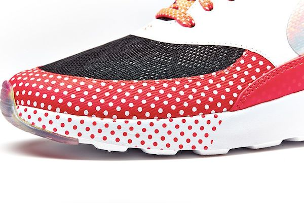 nike-doernbecher-freestyle-2014-air-max-thea-2