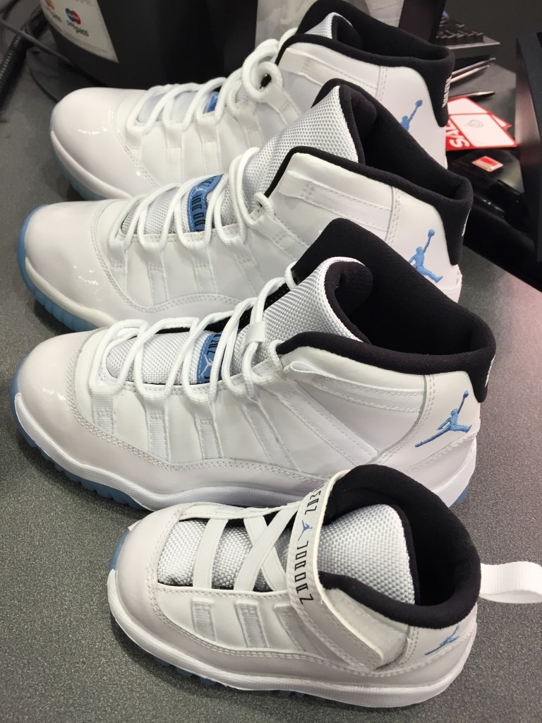 jordan_xi_legend_blue_1