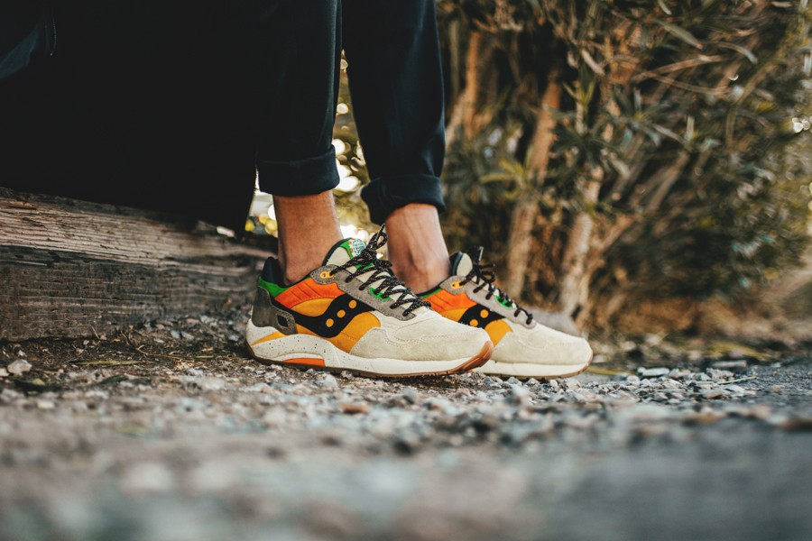 feature-saucony-g9-shadow-the-pumkin-release-date-theshoegame