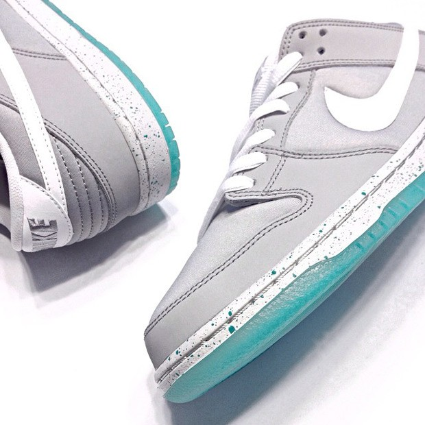 nike-mag-in-sb-dunk-form-03