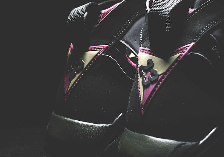 heres-your-closest-look-yet-at-the-remastered-air-jordan-7-bordeaux-2