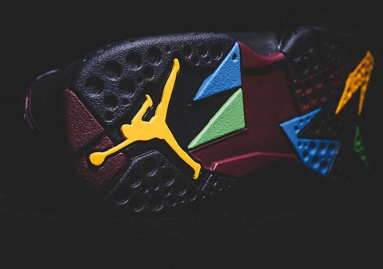 heres-your-closest-look-yet-at-the-remastered-air-jordan-7-bordeaux-3