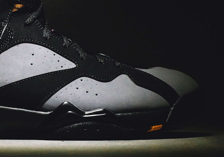 heres-your-closest-look-yet-at-the-remastered-air-jordan-7-bordeaux-5