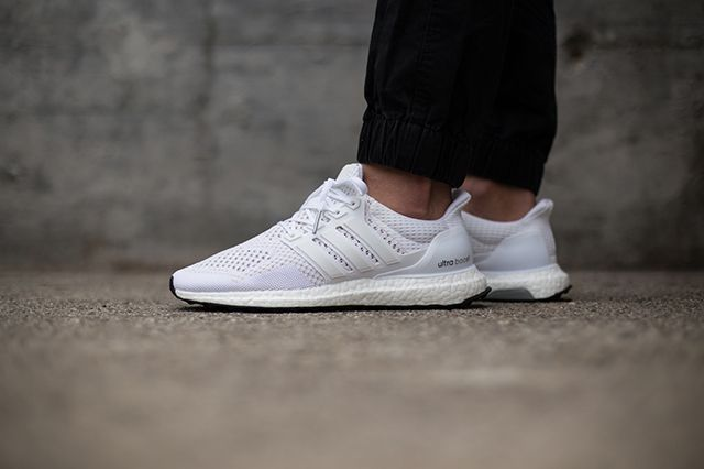 adidas-ultra-boost-white-black