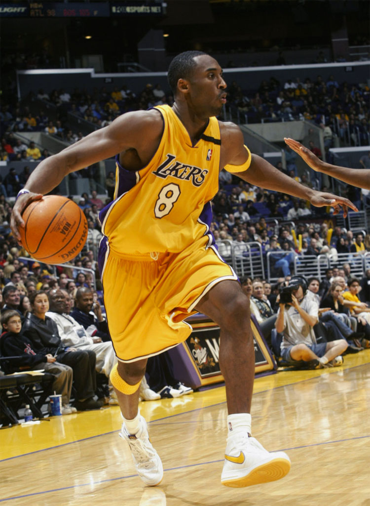 22-kobe-bryant-air-force-1-sole-collector