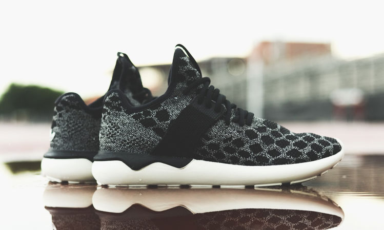 adidas-originals-tubular-runner-primeknit-black-carbon-00