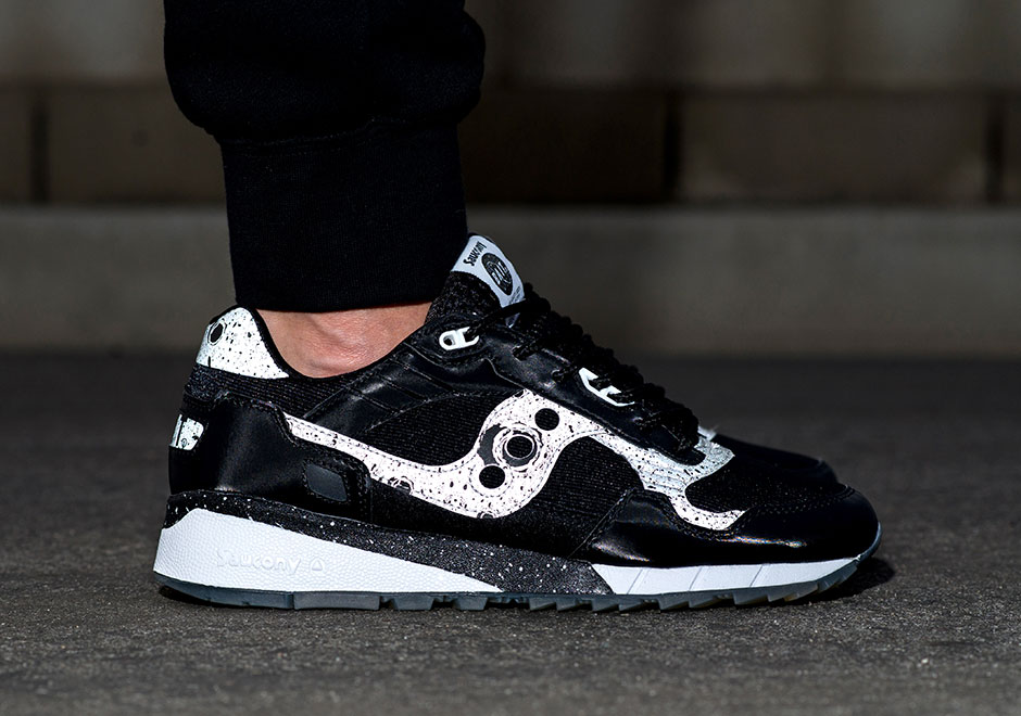 bait-saucony-shadow-5500-giant-leaps-8